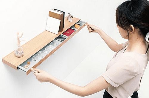 Schublade aus Holz als funktionales Bücherregal