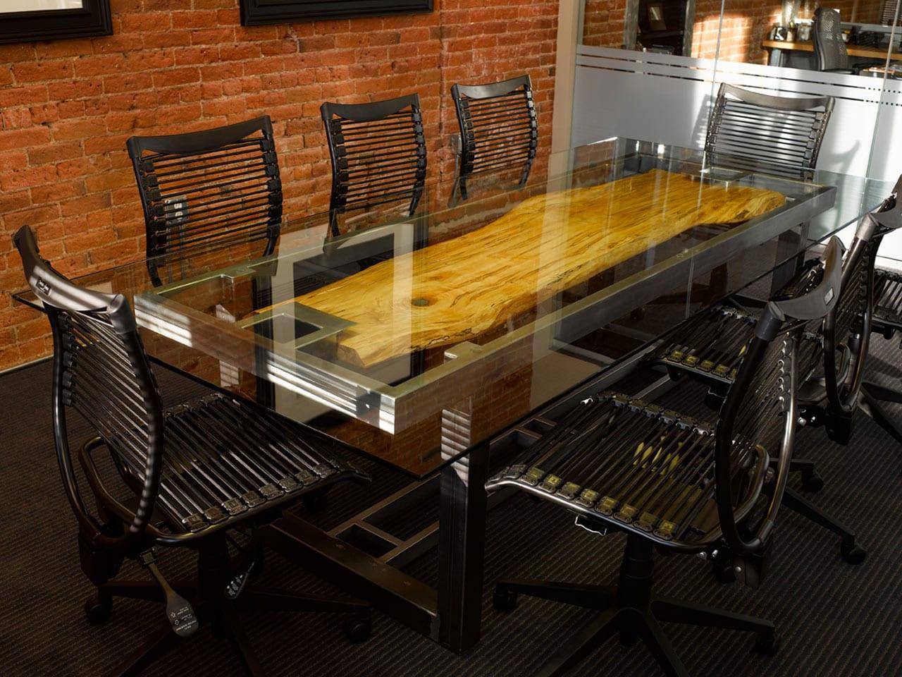 Esstisch mit Platte aus Glas und Holz mit Edelstahl Grundlage