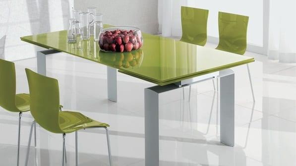 ausziehbarer Esstisch Design aus Glas in grün