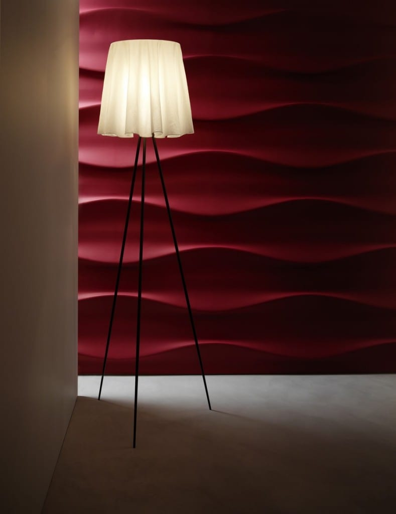 3D Wandpaneele in rot und design Stehlampe
