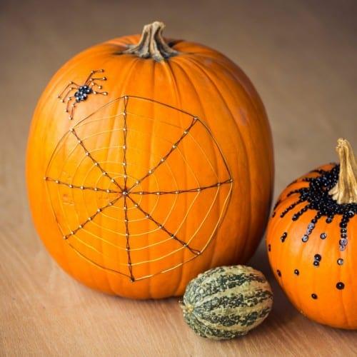 Spinnennetz-Deko mit Pailletten für halloween