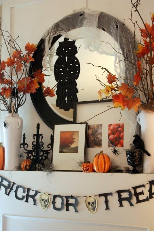 frische Halloween Deko mit Zweigen