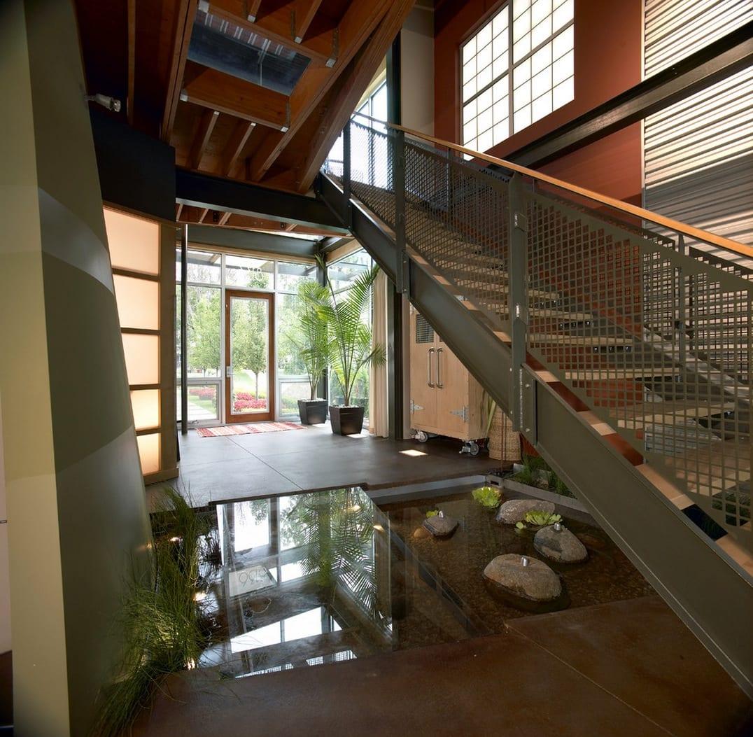 Wassereinrichtung unter der treppe
