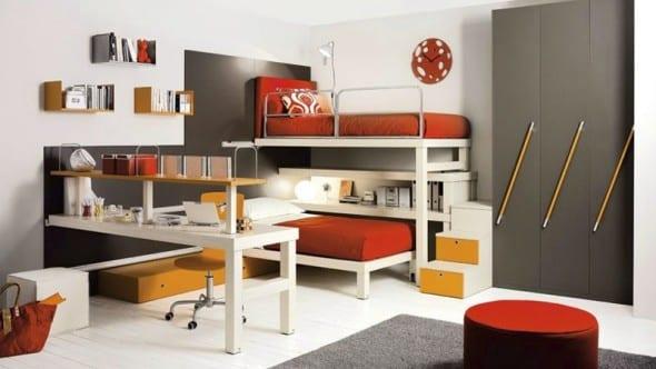 moderne Kinderzimmer Einrichtung in dunklen Farben mit Etagenbett