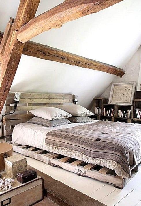 rustikale-schlafzimmer-einrichtung-mit-palettenbett