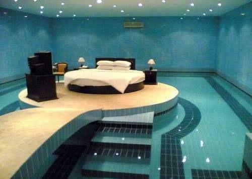 Luxus schlafzimmer mit pool  9 Ideen für Rundbett im Schlafzimmer - fresHouse
