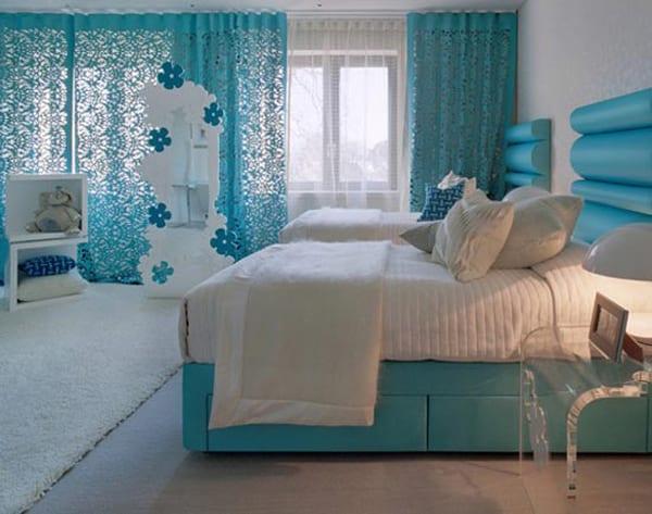 Schlafzimmer in türkis und weiß