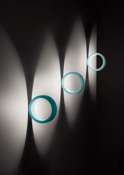 design-Leuchte in blau für dekorative Beleuchtung