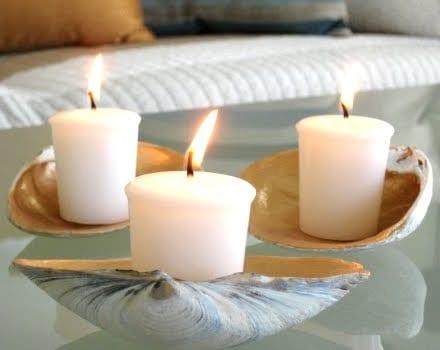 Muschel-Dekoration mit Kerzen