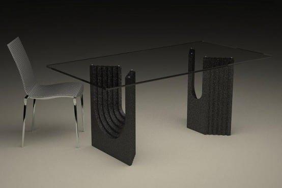 moderner Esstisch mit schwarzem Glas