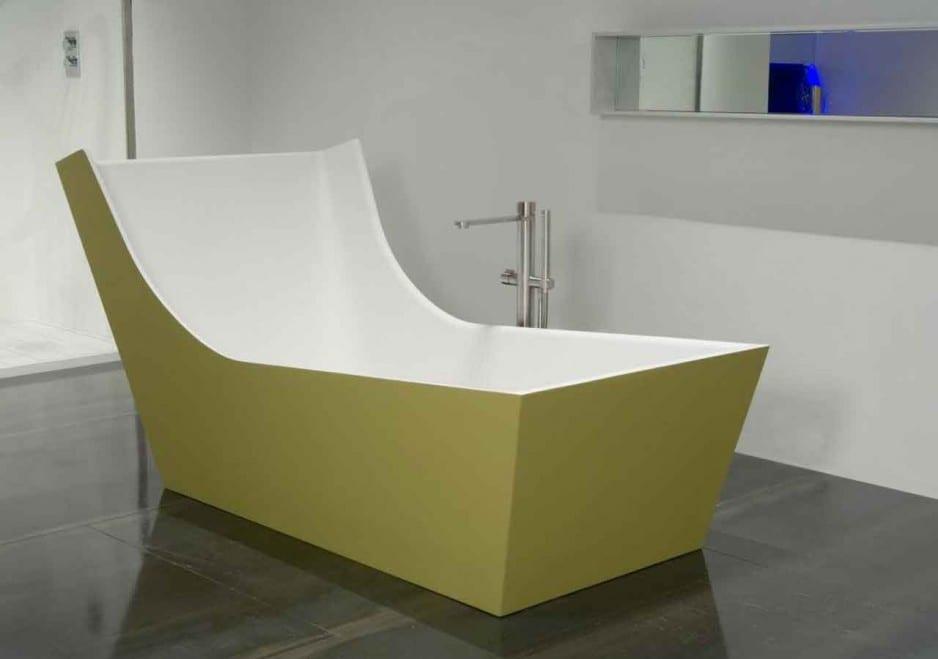 hotelzimmer mit badewanne im raum : Freistehende Badewanne die moderne ...