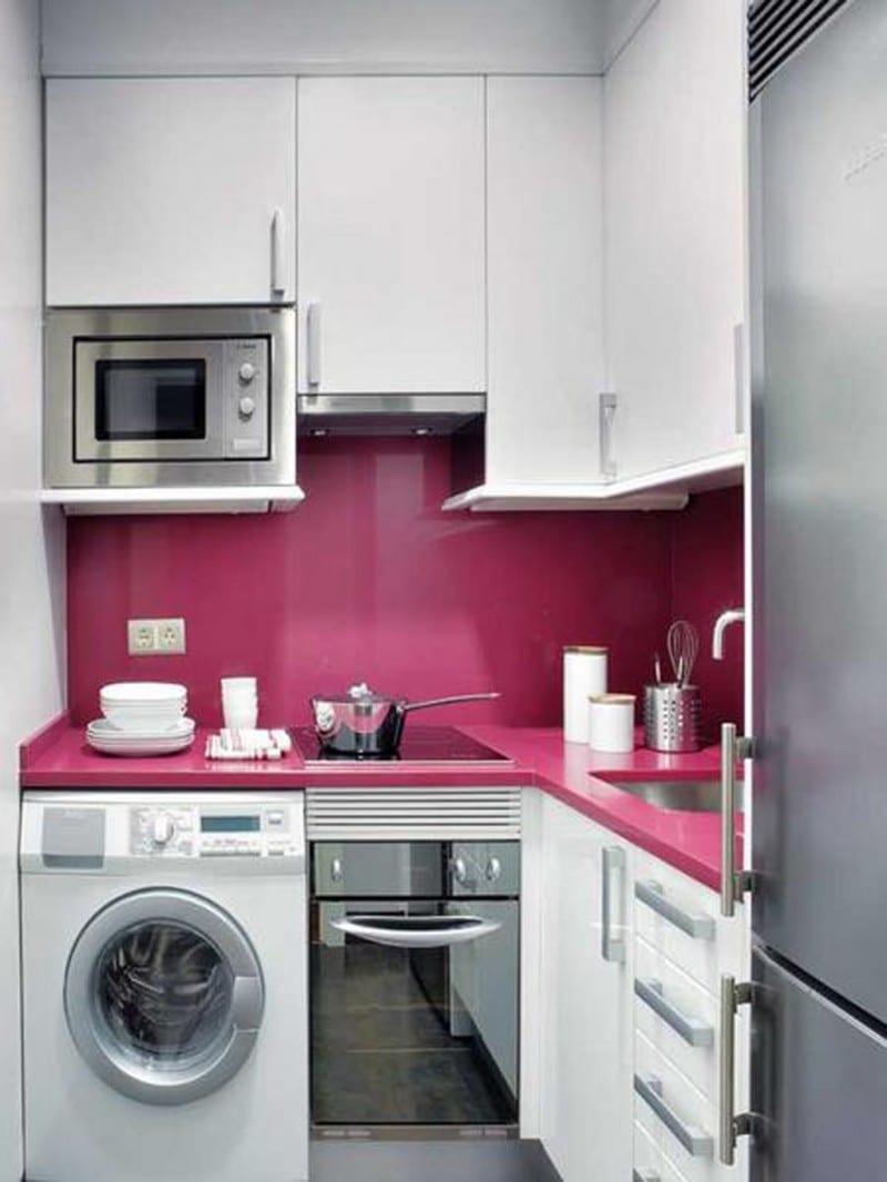 kleine-küche-in-weiss-und-rosa