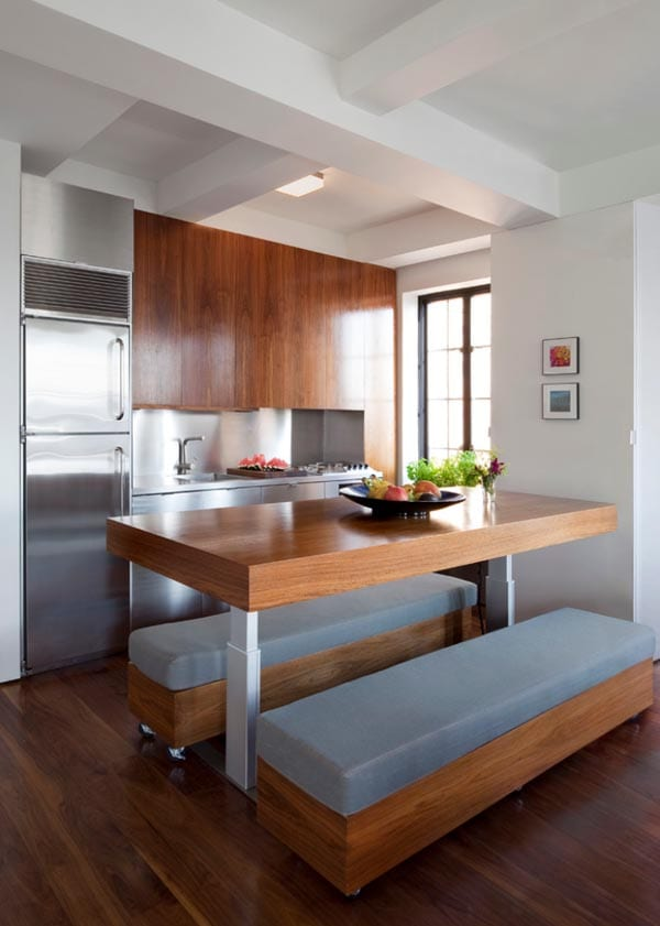 interessante-küche-aus-holz-mit-stellbarem-tisch