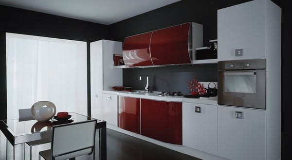 kleine k che in schwarz und rot 1 freshouse. Black Bedroom Furniture Sets. Home Design Ideas