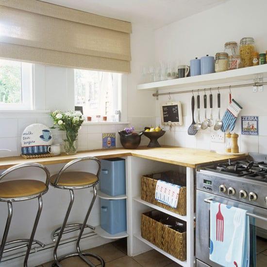 draht-regalsystem-für-kleine-küche