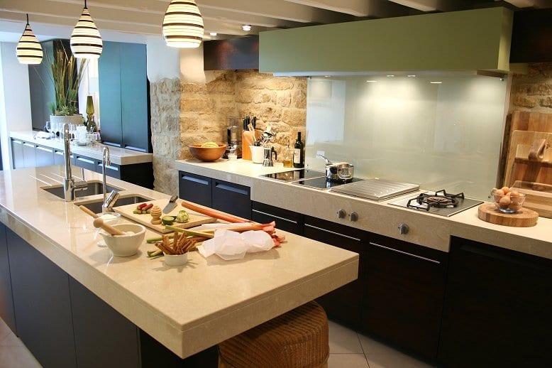 naturstein-in-der-küche