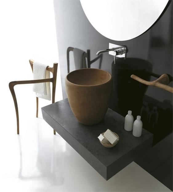 Designer-Handtuchständer und Waschbecken aus Holz von Galassia