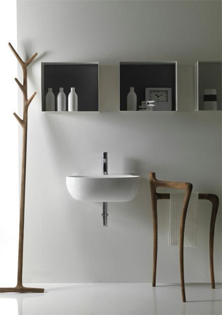 moderne keramik Waschbecken und Handtuchständer aus Holz
