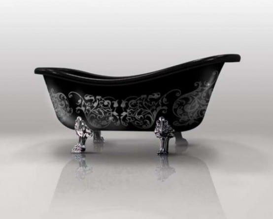 freistehende Badewane in schwarz mit Silberfüßen und Blumenmotiv