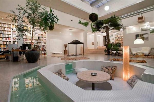 innen Loungebereich in Wasser