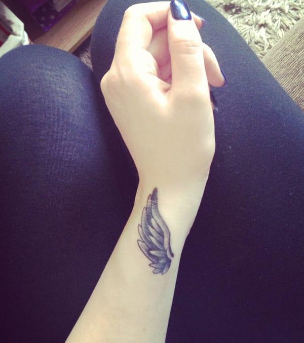 Tattooidee-Frauen tattoo-Flügel