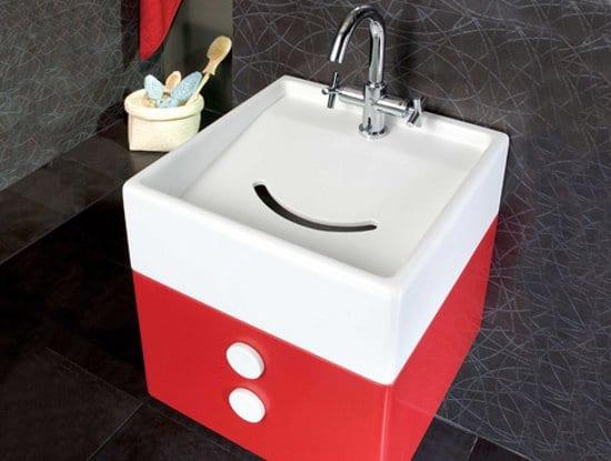 moderner Kinder-waschbecken in rot