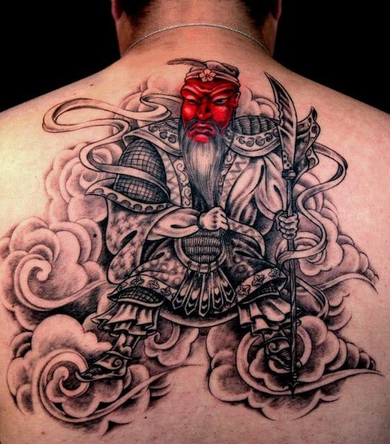 Tattoo für den rücken- Männertattoo