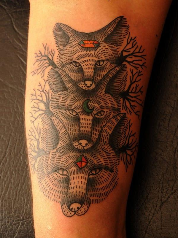 tattoo am arm frau