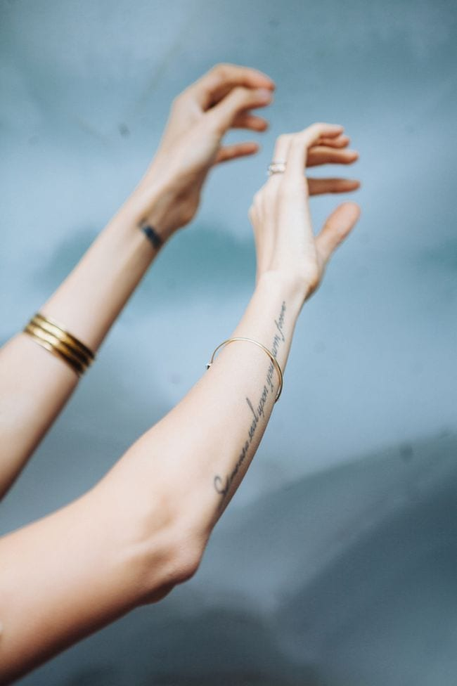 Ideen für unterarn tatto schriften