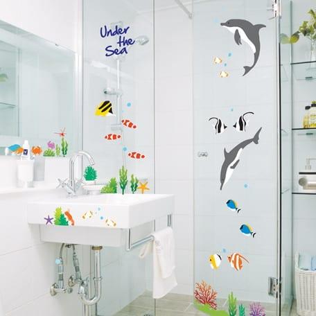 badezimmer mit Fisch-Aufkleber fürs bad