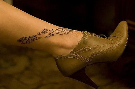 schrift tattoo idee für frauen