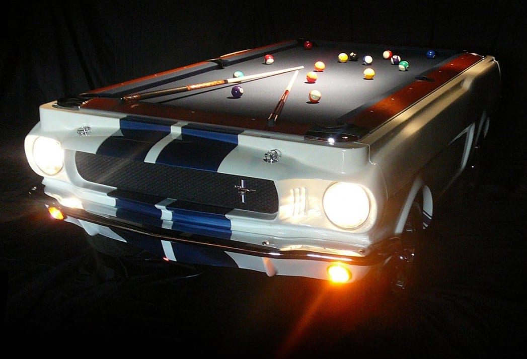 leuchteter Auto-Billardtisch aus Shelby GT