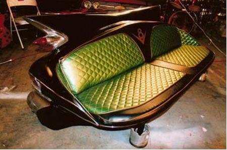 sofa mit grünem ledersitzfläche aus recycle autoteil