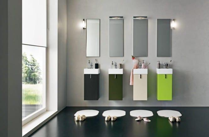 modernes badezimmer- großformatiges fenster im badezimmer