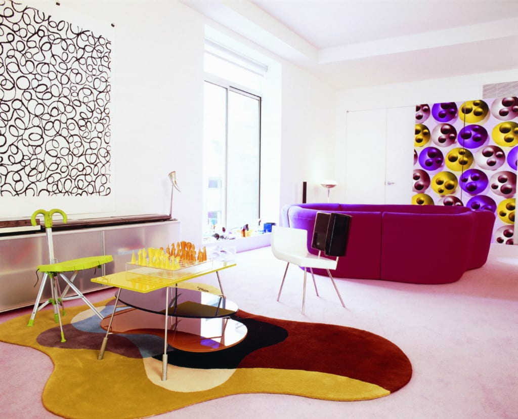 violet-sofa und kreative wanddeko ideen