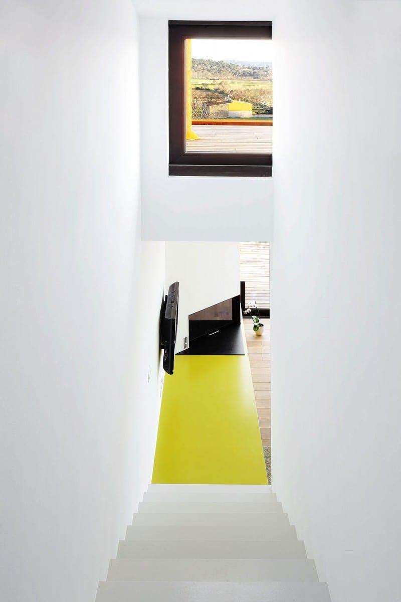 moderne Architekturlösungen - Treppe mit Blick nach außen