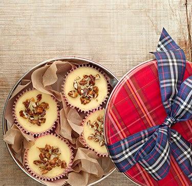 essbare geschenke- selbstgemachter käsekuchen mit nüssen