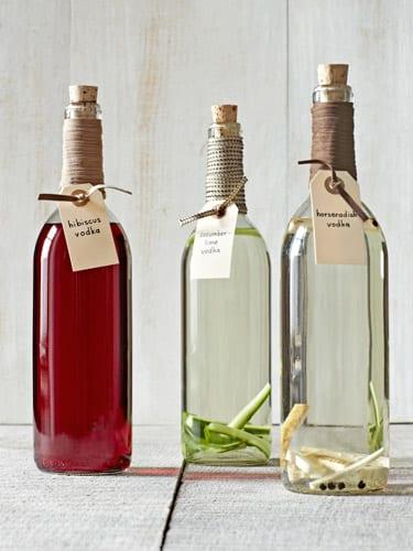 kreative geschenkidee-Wodka mit Gurken und Pfefer