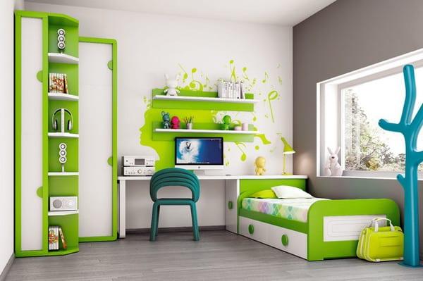 modernes Kinderzimmer mit möbel in weiß und grün- kinderzimmer wandtattoo