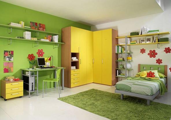 kinderzimmer teppich- gelber kinder-kleiderschrank