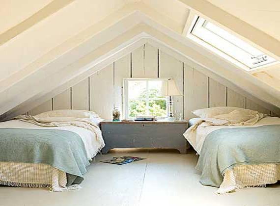 kleines 2 bett schlafzimmer am dach freshouse. Black Bedroom Furniture Sets. Home Design Ideas