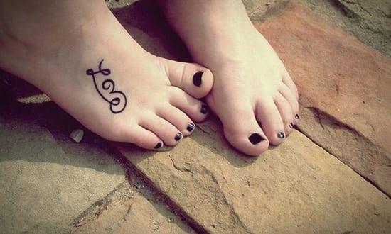 kleines love fu tattoo freshouse. Black Bedroom Furniture Sets. Home Design Ideas