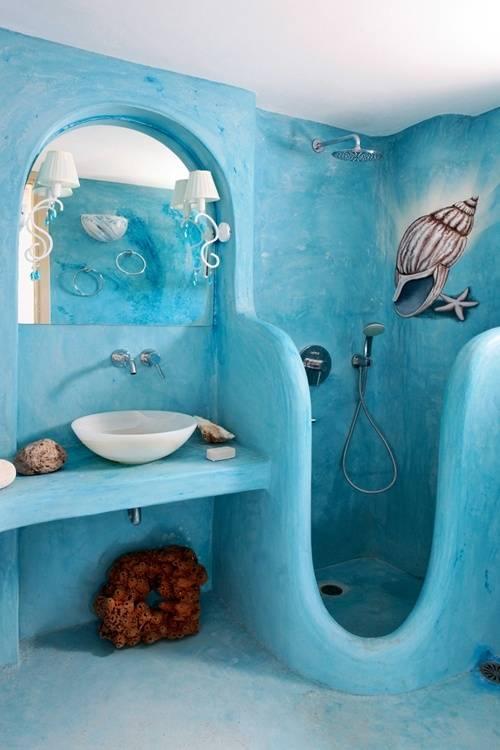 DIY Badezimmer in blau mit muschel-wandmuster