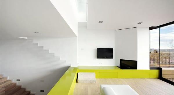 Minimalismus in Spanien – terrassiertes Haus in Casavells