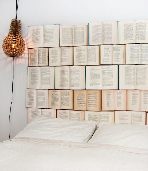 kreative Wohnideen- Bücher als wanddekoration hinter dem bett