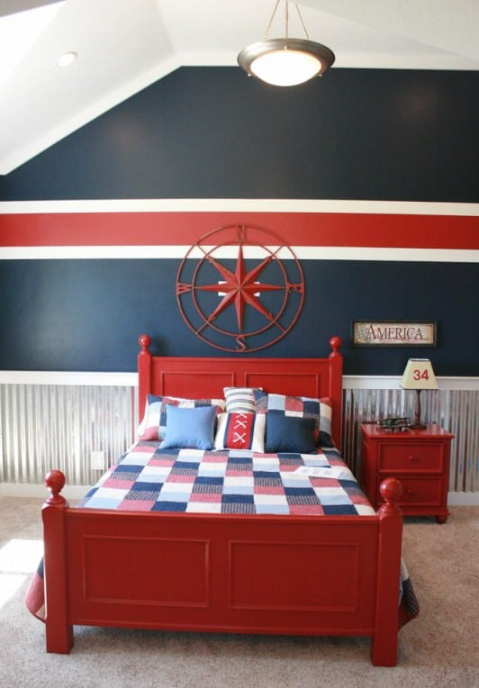 jungenschlafzimmer mit Wandgestaltung in rot-blau-weiß