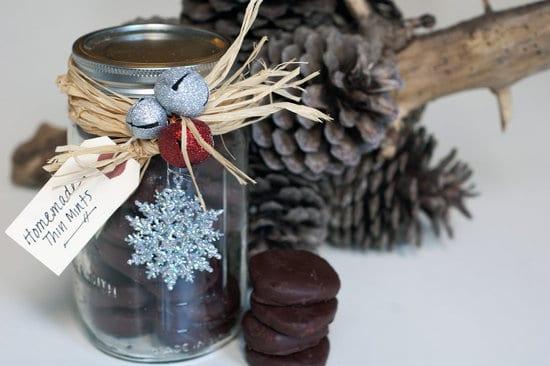 geschenke aus der küche- eiweckglas mit schokoladen Herzen