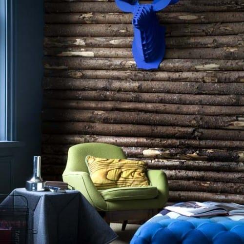 Einrichtungsidee in blau und Holzwandgestaltung
