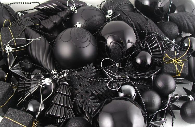 schwarze deko für weihnachtsbaum