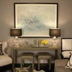 Wandfarbe Taupe - weiße lederstühle- Wohnzimmer deko Idee